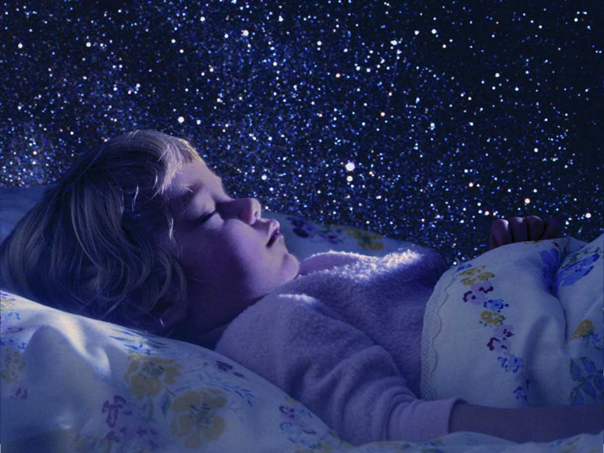 Пробрался ночью в спальню к маме и 9 фотография